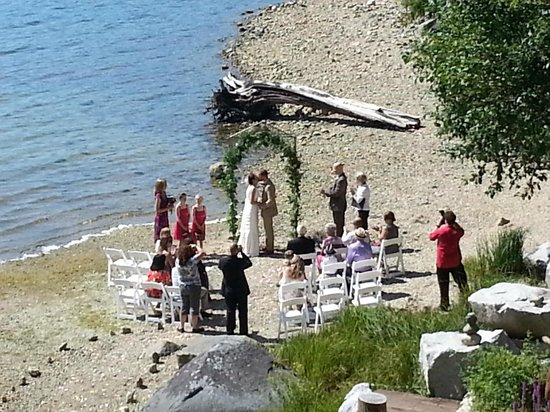 The Tuwanek Hotel: Small Weddings on the beach