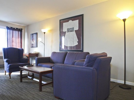 Hotel Dorval - Beausejour Apartments : Living room
