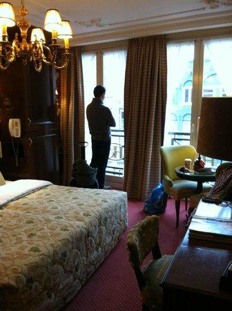 Hotel Estherea:                   deluxe room