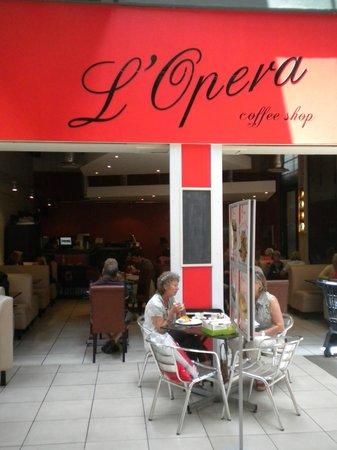 Le Opera Restaurant
