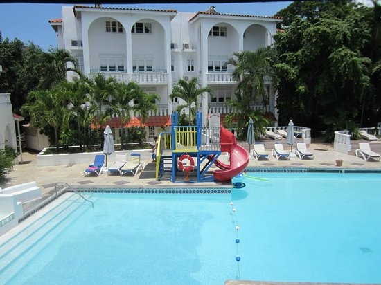 Franklyn D. Resort & Spa:                   pool