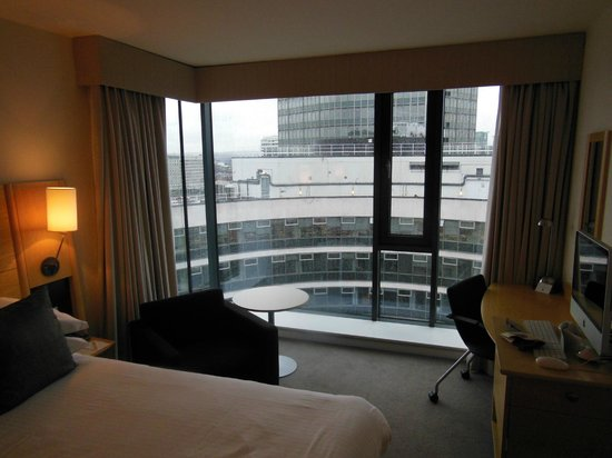 Doubletree by Hilton London - Westminster:                   large window but small room