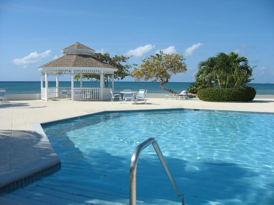 The Grandview Condos Cayman Islands:                   Gazebo