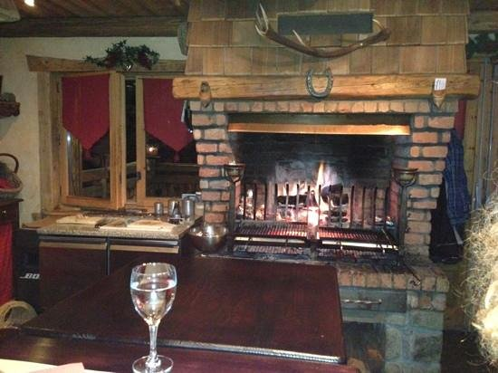 Bistro Grill du Gron:                   Log fire grill...