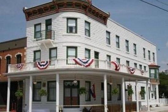 Weaver Hotel Resmi