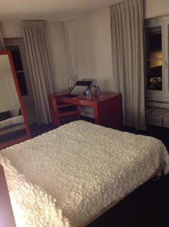 Grand Hotel Plombières Les Bains :                   double room