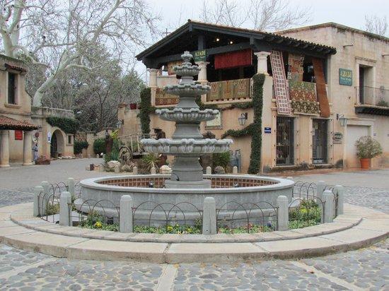 Los Abrigados Resort and Spa:                                     Shopping Village