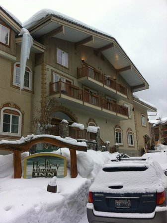 Heffley Boutique Inn:                   Snow Covered entrance
