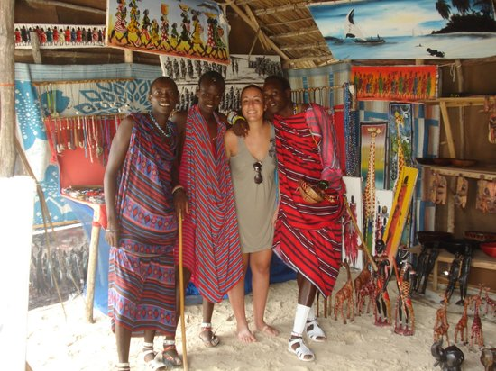 Neptune Pwani Beach Resort & Spa:                   meravigliosi Masai