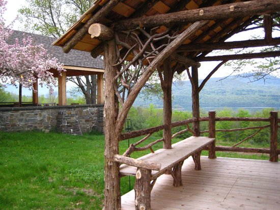 Ashokan Dreams Bed and Breakfast : Ashokan Dreams Relax on our Grounds, enjoy the views