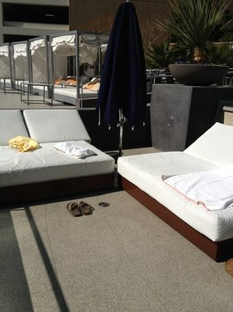 Vdara Hotel & Spa:                   Sunbeds at swimming pool
