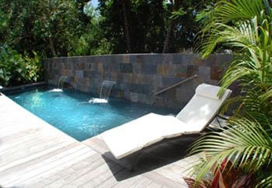 Malecon House: Relax by the pool and listen to the calming water