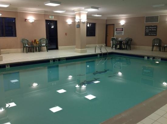 Hampton Inn Portage:                   Pool Hampton Portage