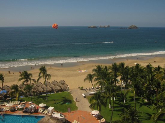 Emporio Ixtapa:                   Ocean View from Room 822 of the Emporio