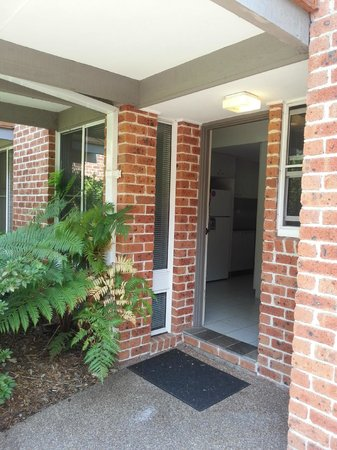 Medina Serviced Apartments North Ryde:                                     Entrance to unit