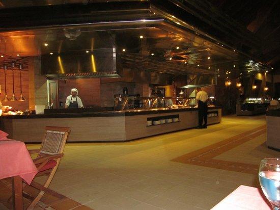 Majestic Colonial Punta Cana:                   buffet du midi/steak house le soire