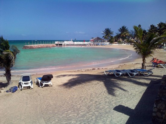 Royal Decameron Club Caribbean:                                     The beach
