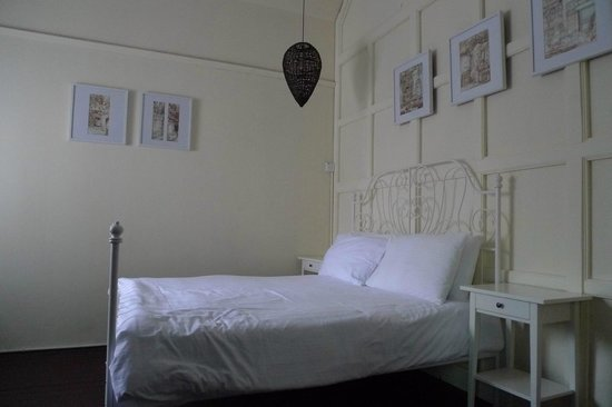 Mango Tree Place - Townhouse 1934:                   our second bedroom