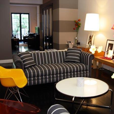 710 Guest Suites: Duplex Living Room