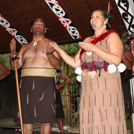 Tamaki Maori Village:                   song of lovers