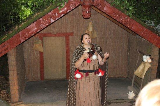 Pueblo maorí Tamaki:                   skill demonstration
