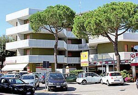 Appartements i moschettieri hotel bibione prezzi e for Prezzi dell appartamento del garage