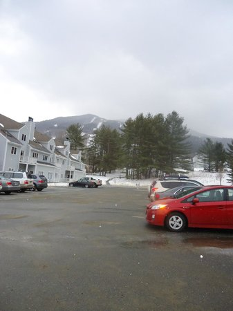 Holiday Inn Club Vacations Mount Ascutney Resort:                   View of the Montain