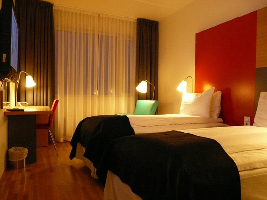 Thon Hotel Kirkenes:                   Comfy room and bed
