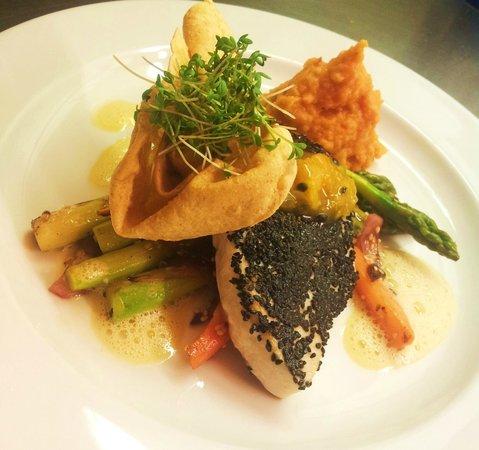 Villandry:                   Thunfisch,Spargel,Süßkartoffelstampf,Papadum