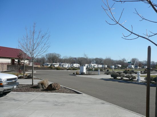 Durango RV Resort :                   RV Park Street Area