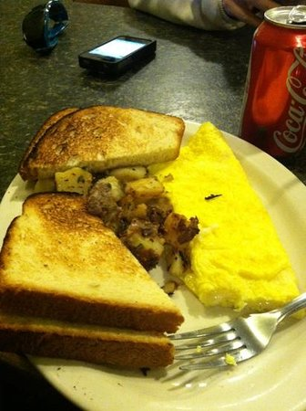 Caffe Vero :                   cheese omelet with white toast and home fries.