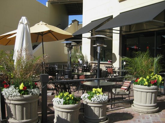 Cove Trattoria-outdoor seating