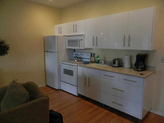 International Hotel & Suites:                   Kitchen