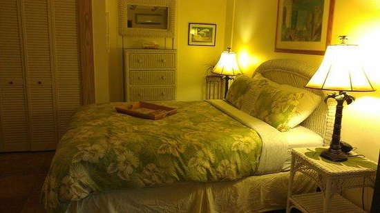 Andrews Inn and Garden Cottages:                   Queen Size Bed - Malaga Room