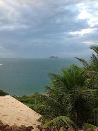 Colonna Galápagos Garden:                   vista con lluvia
