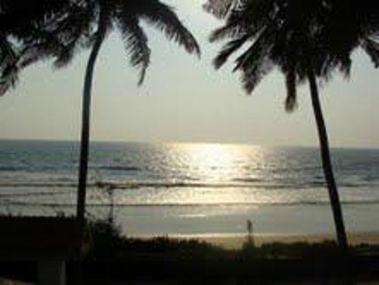 Malgudi Holidays: Beach view payyambalam