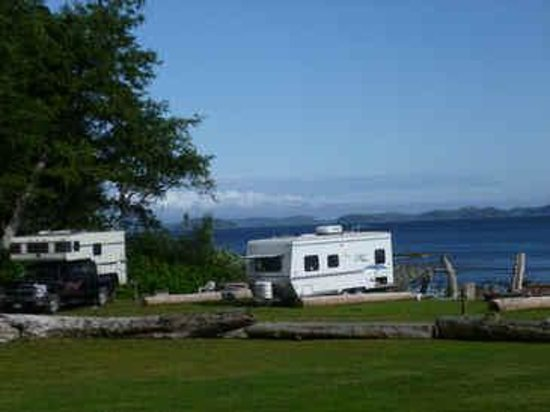 Mussel Beach Campground: open waterfront