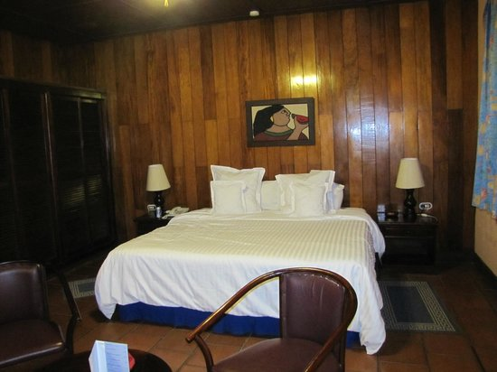 Barcelo Montelimar:                                     bedroom - bungalow