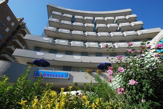 Caravelle Hotel Photo