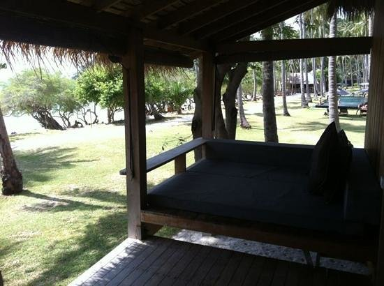 Haadtien Beach Resort:                   castaway villa by the beach