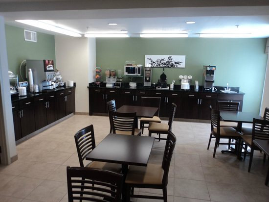Sleep Inn & Suites Edgewood Near Aberdeen Proving Grounds: Breakfast Area