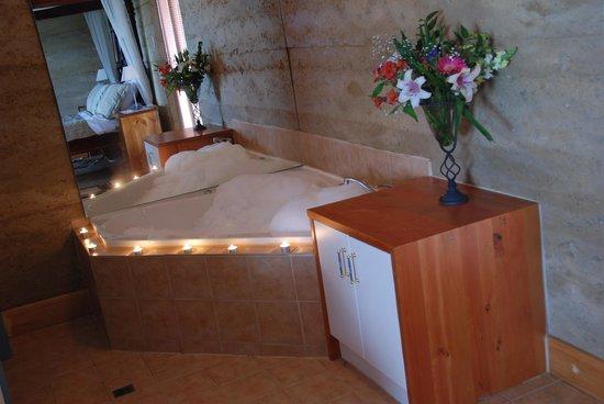 Corinium Roman Villa: Bedroom spa