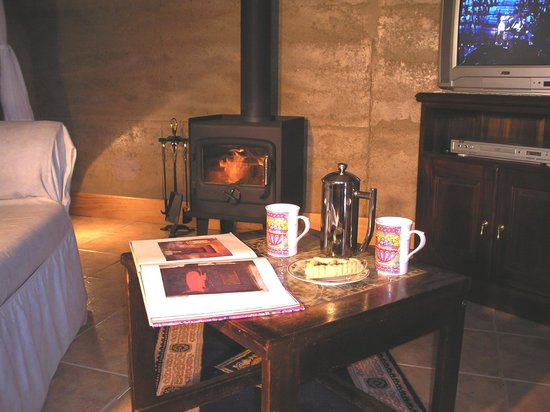 Corinium Roman Villa: Coffee by the fire