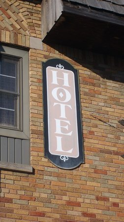 Fenway House Hotel :                   Quaint street side sign.