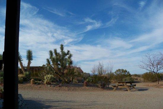 ستيدجكوتش ترايلز جيست رانش:                   Arizona skies!                 