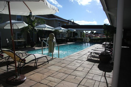 Protea Hotel by Marriott Nelspruit:                                     The pool area -  a nice spot to have your meal.