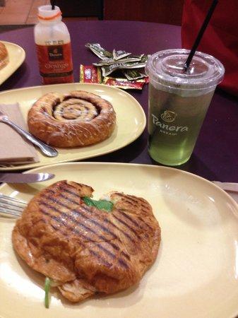 Panera Bread:                   mi desayuno