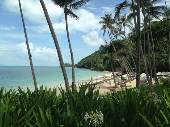 Four Seasons Resort Koh Samui Thailand:                   Strandbereich vom Strandrestaurant.