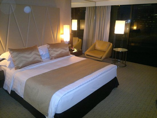 Marina Mandarin Singapore:                   A shot of the room we stayed in