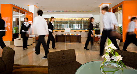 Dusit D2 Chiang Mai: daily 2PM shift-change performance